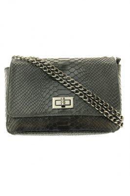 Leren-croco-tasje-Mira-zwart-luxe-tas-kettingen-lederen-hand tas zwarte tassen goedkoop tas detail