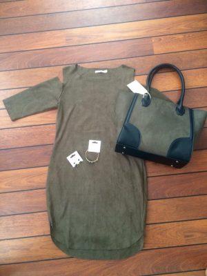 groene-jurk-groen-tas-it-bag-mooie-oorbellen-dames-musthave-ootd-outfit-werk