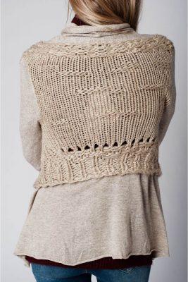 beige-vest-sila-gehaakte-rug-mooie-luxe-vesten-online-gehaakte-details-bestellen-dames-kleding