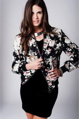 bomber-jas-bloemen-print-zwart-zwarte-chiffon-bomberjack-bloemen-design-hippe-luxe-online