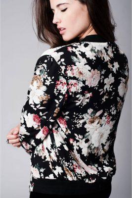 bomber-jas-bloemen-print-zwart-zwarte-chiffon-bomberjack-bloemen-design-hippe-luxe-online-detail