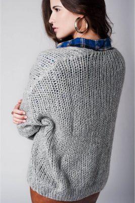 grijs-vest-mohair-licht-grijze-mooie-luxe-open-vest-wollen-gebreide-vesten-online-kopen-bestellen-achterkant