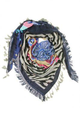 sjaal-boho-fringe-blauw-blauwe-hippe-sjaals-met-print-franjes-ibiza-musthave-gekleurde-sjaals-online