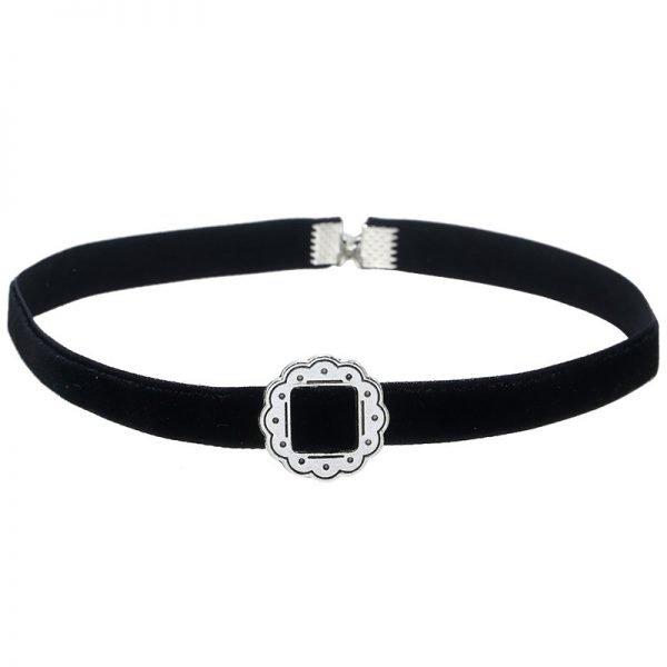 choker-baroque-zwart-zwarte-chokers-zilveren-gesp-musthave-kettingen-sieraden-accessoires-dames