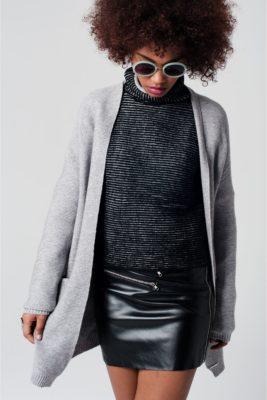 grijs-vest-met-zakken-lange-grijze-vesten-warme-dames-cardigans-online-bestellen-kopen-wol-bebreide