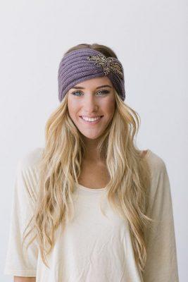 haarband-lavinia-wollen-gebreiden-haarbanden-veren-stenen-details-winter-oorwarmers-fashion-luxe