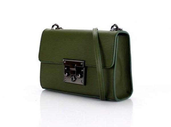 leren-tas-louis-groen-groene-leren-tassen-met-zilveren-slot-en-ketting-leder-look-a-like-tassen-online-kopen-zijkant