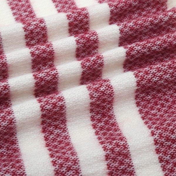 sjaal-janet-grote-rood-witte-sjaals-omslagdoeken-rode-wit-sjaals-winter-dames-accessoires-online-details