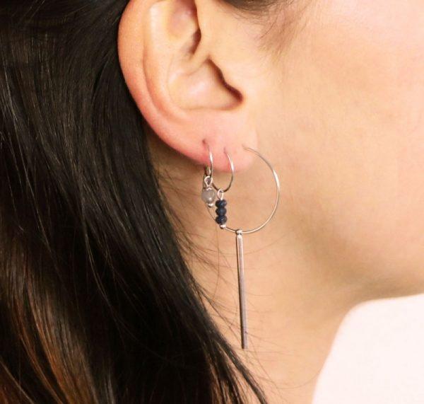 Oorbellen Basic zilver zilveren gold plated ronde oorbellen met staaf hanger dames oorbellen oorhangers fashion detail