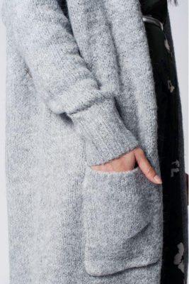 Lang Grijs Vest billy grijze lange open vesten zakken winter wol gebreide warme cardigans dames modemusthaves fashion zijkant