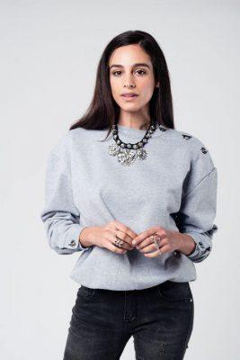Sweater Hooks grijs grijze dames sweater metalen details op schouder en kof dames kleding winter truien hippe modemusthaves kopen