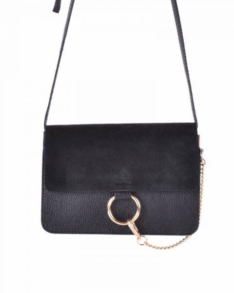 Leren Tas Faye Suede zwart zwarte leren tassen met suede flap gouden ring en ketting musthave it bags fashion bestelen