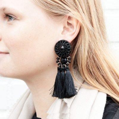 Oorbellen Festive Tassel zwart zwarte lange dames oorhangers met kwastjes big earrings tassle fashion musthave vrouwen bestellen