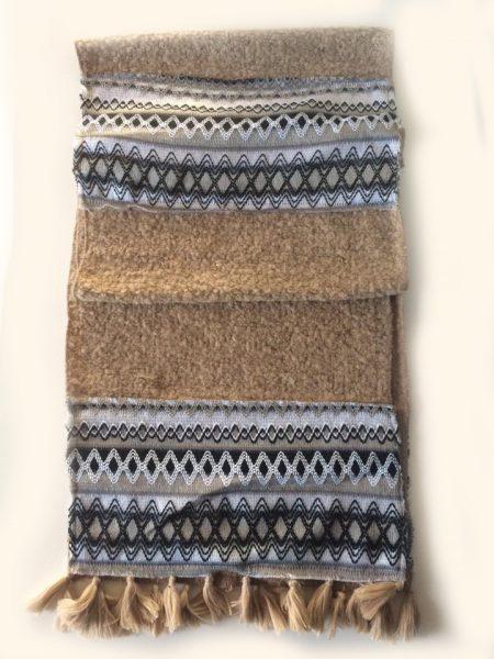 Sjaal Woven beige creme dames sjaals Scarfs met aztec print print musthave kleurrijke warme dames sjaals kopen3