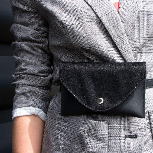 Riem Tasje Wild Thing belt bag heuptasjes zwart zwarte dierenhuid flap exotische dieren print fashion musthave items kunstleder riem