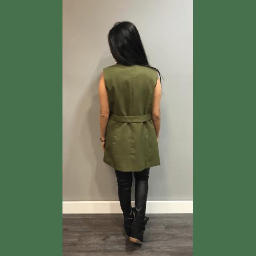 Gilet Isa Green groen gilet jasje mousloos zonder mouwen musthave zomer lang gilets online kopen achterkant