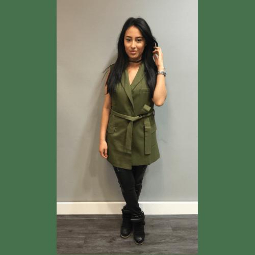 Gilet Isa Green groen gilet jasje mousloos zonder mouwen musthave zomer lang gilets online kopen