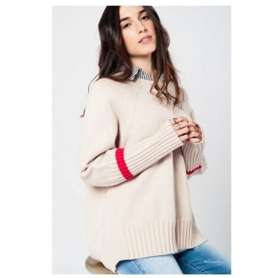 Beige-Oversized-Trui-rood-details-warme-dikke-dames-truien-grote-truien-winter-warm-dames-fashion-modemusthaves-