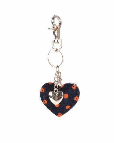 Leren-sleutelhanger-hartjes-zwart-oranje-stippen-zwarte-koeienhuid-leder-gouden-sleutel-hangers-online-bestellen leren hartvormige sleutelhangers