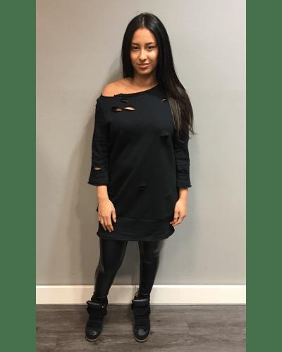 zwarte-sweater-kylie-zwart-lange-trui-scheuren-musthave-dames-sweaters-dresses-online-bestellen