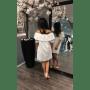 Witte Jurk Broderie open schouders off the shoulders wit dames jurk musthave zomer jurken online kopen achterkant