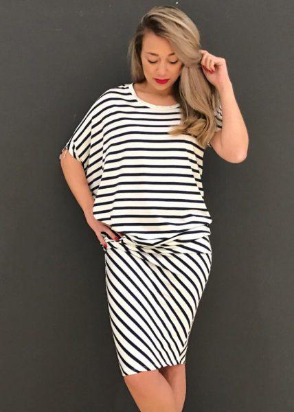 Jurk strepen asymmetrisch blauw wit navy zomer jurken online dames kleding jurken tshirt dress online bestellen kopen stylisch fashion