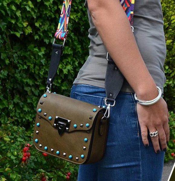 f942aee6a2c Schoudertasje Studs groen groene tassen blauwe zilveren studs it bags  kleine tas online bestellen fashion look
