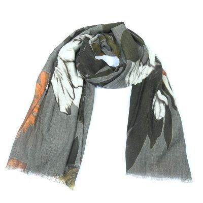 Sjaal Fall Leaves grijs grijze dames sjaals met bladeren print Scarfs fashion musthave vrouwen accessoires werk