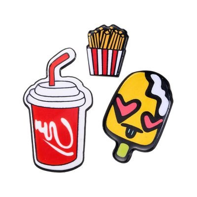 Pins-junkfood-hippe-kleding pins ananas cola friet -patches-speldjes-broches-voor-kleding-kledingpins-kleren-versieren--600x600