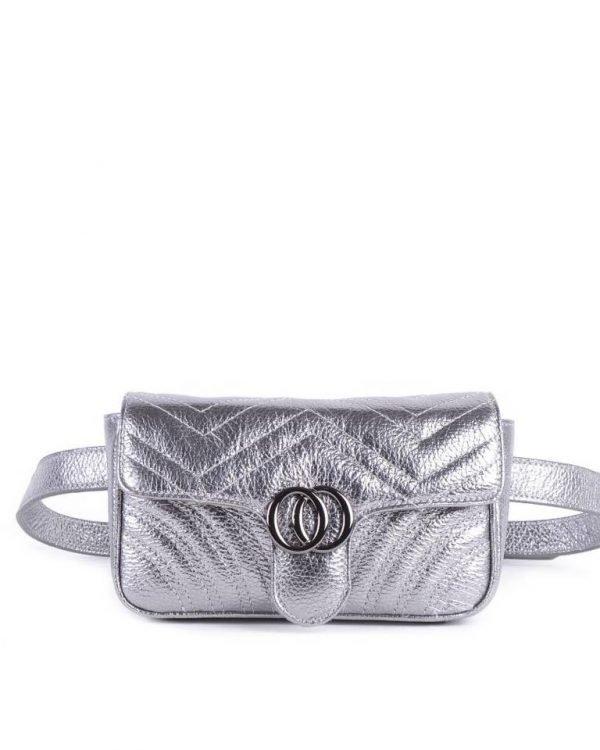 Leren heuptas CiCi XL zilver metalic zilveren ruime beltbag heuptassen leder riem zilveren beslag musthave lederen giuliano tassen kopen riemtas