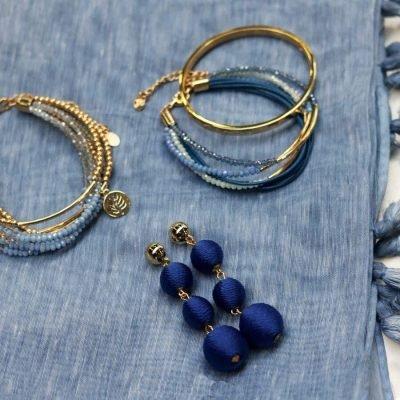 Oorbellen Happy Balls blauw blauwe lange oorbel oorhanger rondjes touw musthave fashion oorbellen earrings look a like online kopen