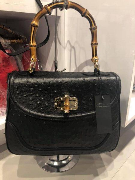 Leren-Handtas-Bamboe-zwart zwarte-lederen-leer-tassen-houten-handvat-luxe-bags-kopen struisvogel