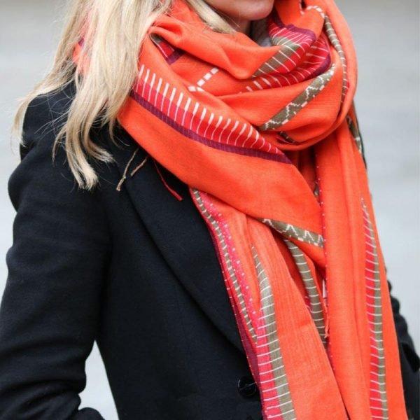 Sjaal Funky Vibes oranje dames sjaals kleurrijke print aztec vrolijke polyester dames sjaal shawl ladies orange shop online kopen