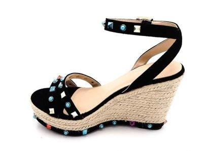 Sleehak Studs zwart zwarte sleehakken wedges schoenen dames kleurde studs gekleurde stenen musthave fashion shoes online