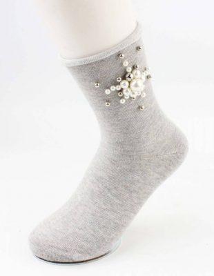 Sokken Pearl Flower grijs grijze korte dames sokken met witte grijze parel bloemen detail musthave fashion socks festival dames sokken strik