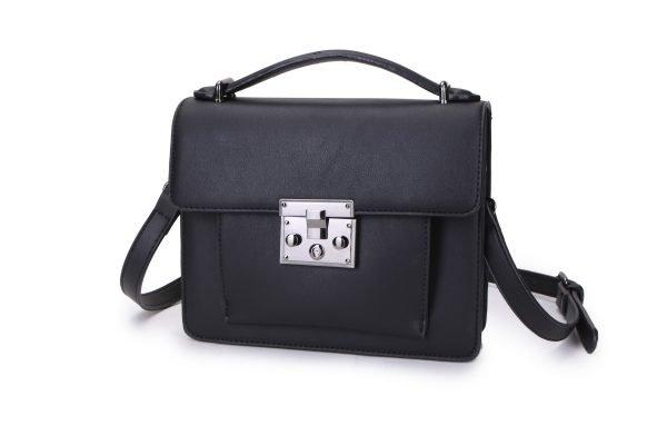8e8011bccc4 Schoudertas Festival Must zwart zwarte kunstlederen dames tassen itbags  voorvakje donker zilver beslag tassen online bestellen