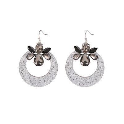 Oorbellen-Artsy Bling-zwart-zwarte-oorbellen-oorhangers-klassiek-steentjes-musthave-sieraden-600x600