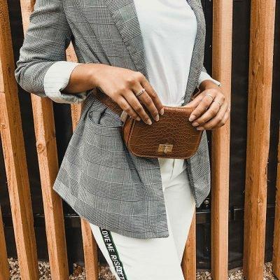 Belt Bag Snake cognac bruin bruine riemtassen heuptassen fannypack waistbag slangenrpint zilver fashion kopen bestellen