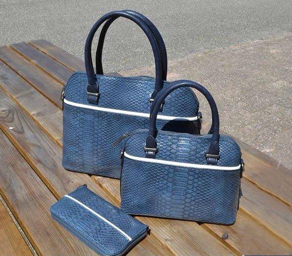 Handtas Snake line s blauw blauwe slangenprint tassen bowlingbag online giuliano portemonee tas kopen bestellen snake