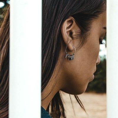 Oorbellen Dancing Leaves zilver zilveren ronde dames oorbellen creolen zilveren bedeltjes boho earrings bestellen