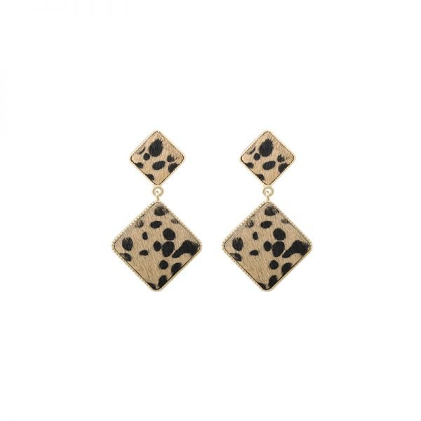 Oorbellen Furry Love licht bruin bruine dames oorbel statement grote oorbellen leopard panter dieren print vierkante