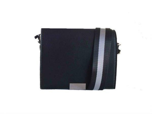 Schoudertas Lines zwart zwarte schoudertassen kleine tasjes twee kleurig hengsel musthave strepen grijs zwart kopen