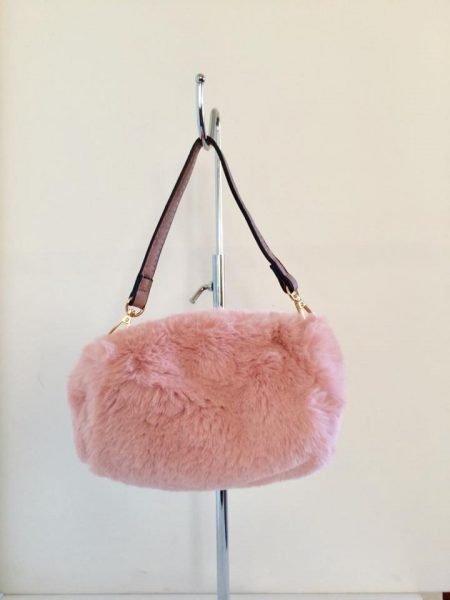 Schoudertasje Faux Fur roze pink wollen tasjes kort lang hengstel musthave fashion schoudertas dames kopen