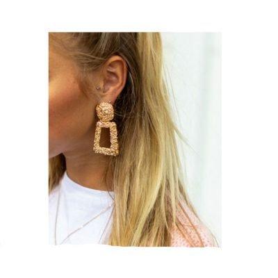 Oorbellen Turn Up Glam goud gouden statement grote oorbel sieraden musthave kopen chic vintage