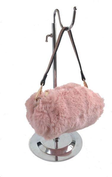 Schoudertasje-Faux-Fur-roze-pink-wollen-tasjes-kort-lang-hengstel-musthave-fashion-schoudertas-dames-kopen