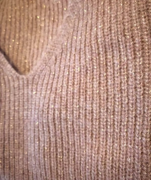 Trui-Nona-gouddraad-taupe-bruine-dames-truien-sexy-v-open-schouder-winter-dames-fashion-modemusthaves-online-bestellen