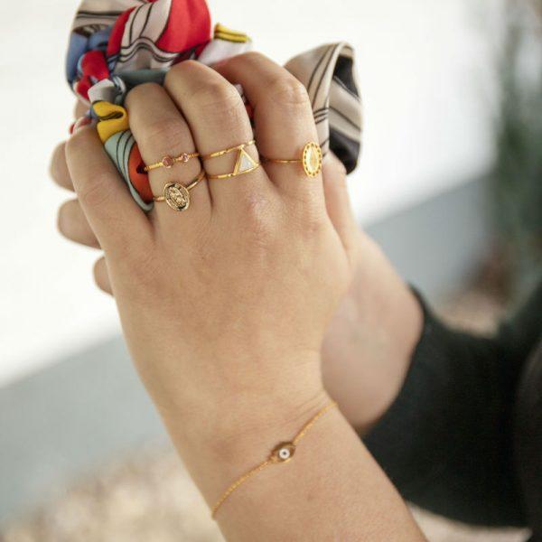 Gouden Ring Love Triangle wit witte steen driehoek fashion jewelry ringen online kopen details