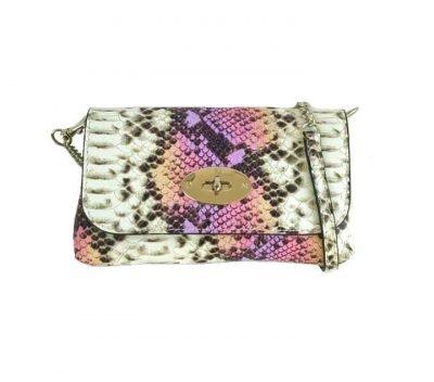 Leren-Schoudertas-Classic-snake-roze paars paarse leer-slangenprint-lederen-tasjes-lang-zilveren-ketting-hengsel-bags-450x600