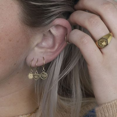 Oorbellen Hart Be Kind goud gouden dames Oorbel rvs tekst bedel fashion lovers Oorbellen earrings online kopen details