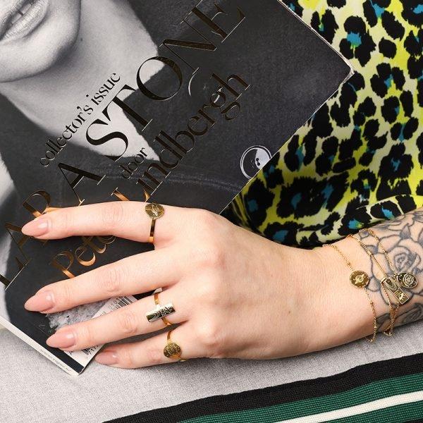Armband Space Moon goud gouden dames armbanden bracelets fashion rvs sieraden tekst bedel kopen kado